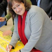 MdB Marianne Schieder: Weihnachtswünsche für die Einsatzsoldaten/innen